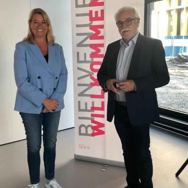 Sandra Hess mit Erwin Fischer, Vizepräsident des Verwaltungsrates